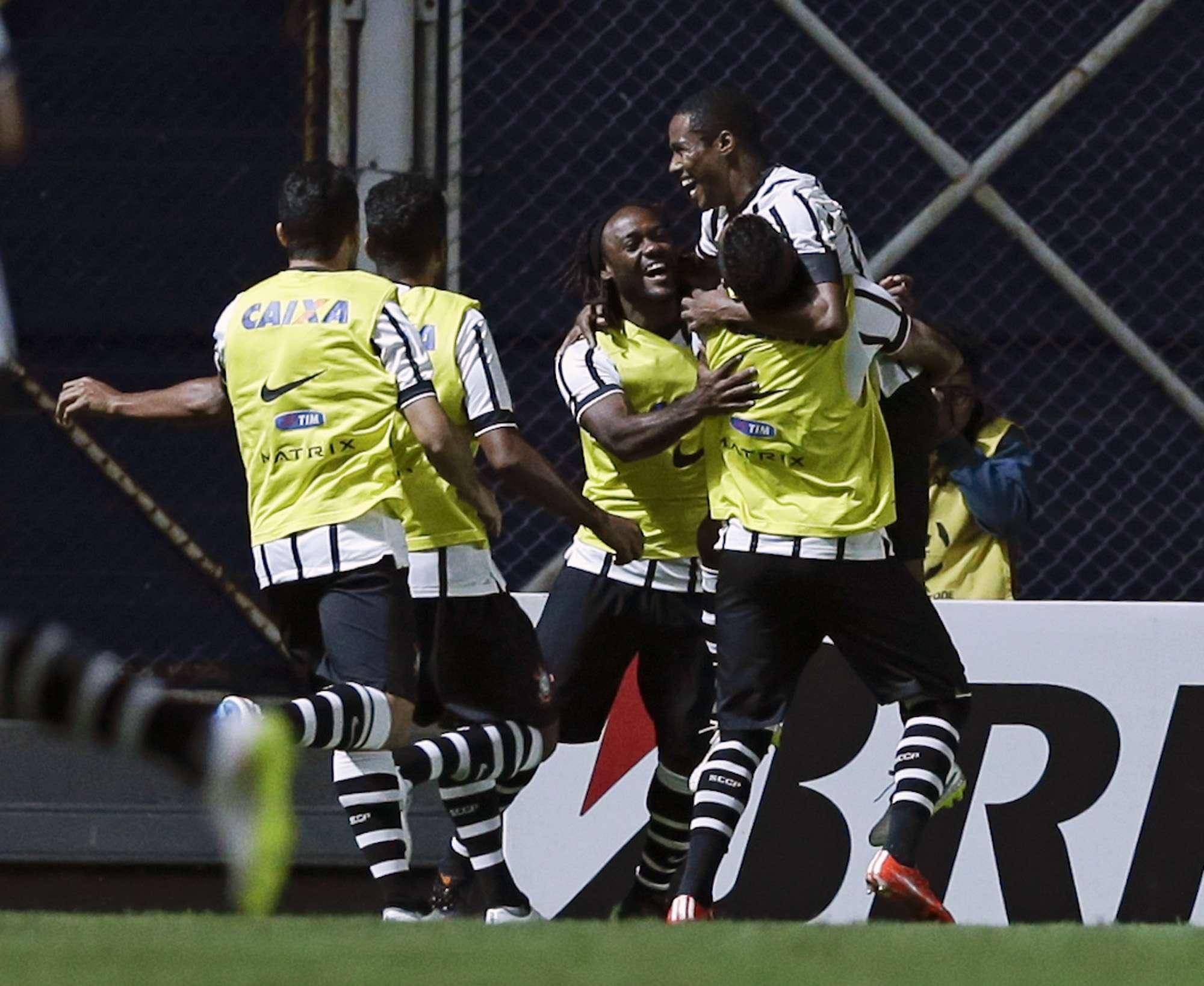 Corinthians llegó a seis puntos. Foto: AP