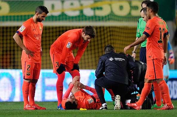 Busquets, en el momento de su lesión contra el Villarreal. Foto: Getty Images