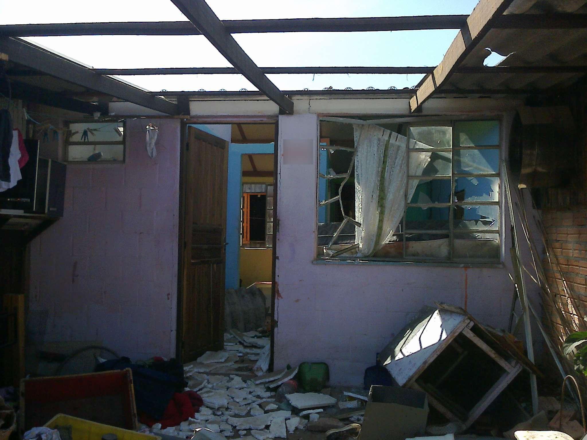 A casa foi depredada por populares depois do suposto estupro Foto: Divulgação/Polícia Civil
