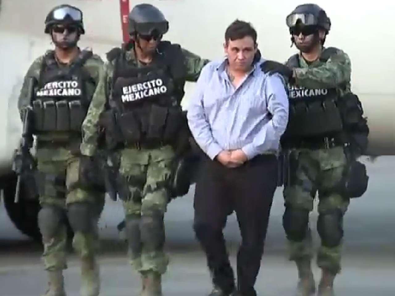 """Autoridades mexicanas presentaron a Omar Treviño Morales, alias """"El Z-42"""", máximo líder de la organización delictiva """"Los Zetas"""", ante los medios de comunicación. Foto: YouTube"""