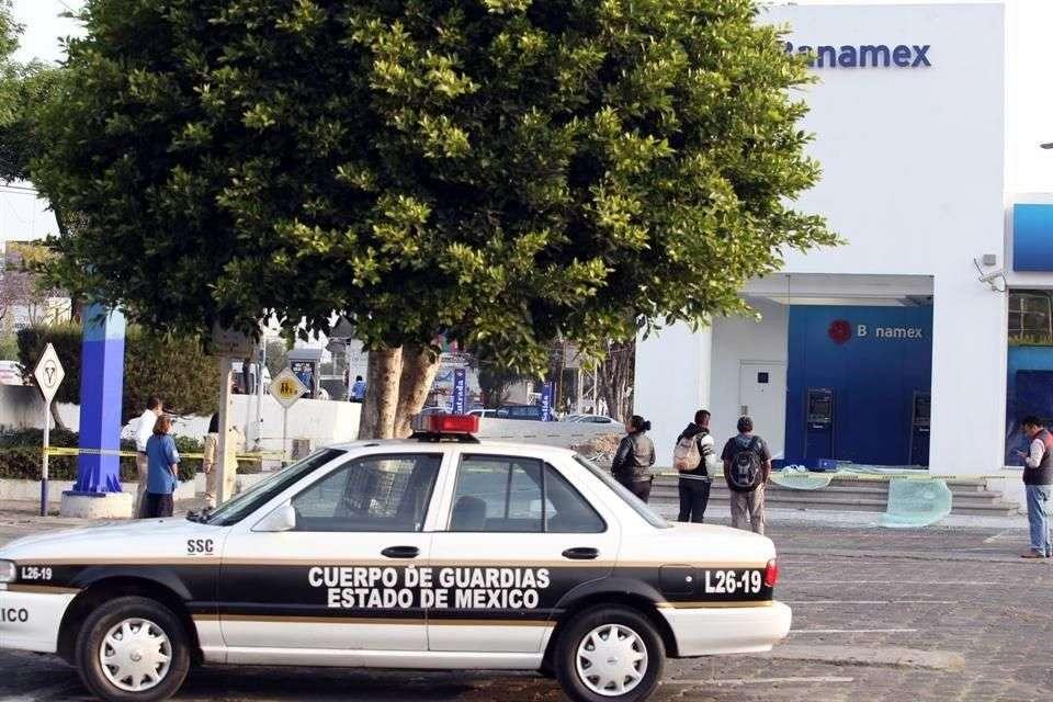 Policías acordonaron la zona, pero no detuvieron a nadie. Foto: Salvador Chávez/Reforma