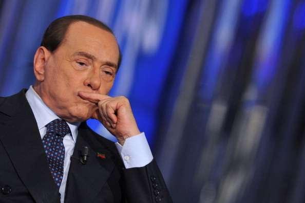 La difusión de las llamadas se produce el mismo día que Berlusconi terminó con su servicio social en el asilo para ancianos Cesano Boscone, donde cumplió condena por fraude fiscal. Foto: Getty Images
