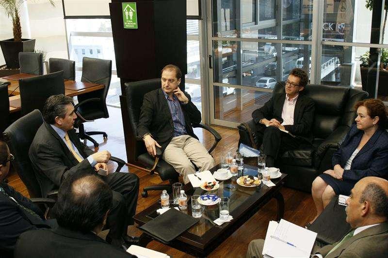 La reunión fue acordada en enero pasado a fin de que ambas instancias mantengan comunicación y colaboración. Foto: EFE en español