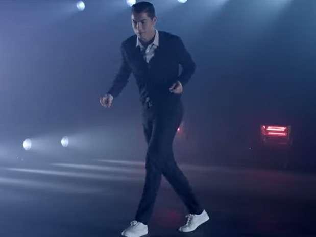 ¿Quién sino el mismo Cristiano Ronaldo para promocionar sus zapatos? Foto: Youtube