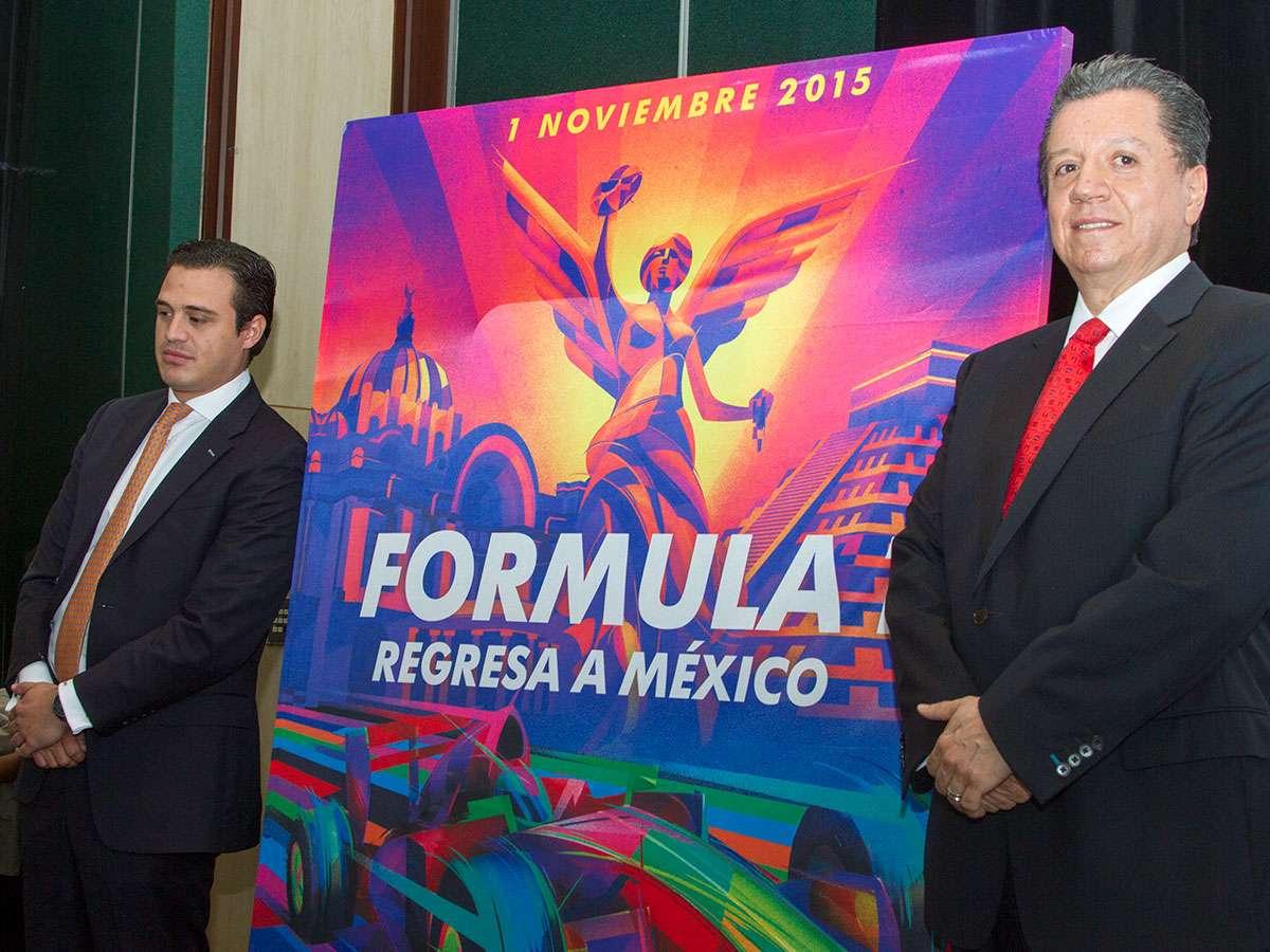 Diego Pérez Palacios (izq.), director de ventas exclusivas de CIE, y José Luis Castro, director general de CTS, dieron los detalles de lo que se ofrecerá a los aficionados a la F1 que visiten la Ciudad de México. Foto: Ricardo Otero/Terra
