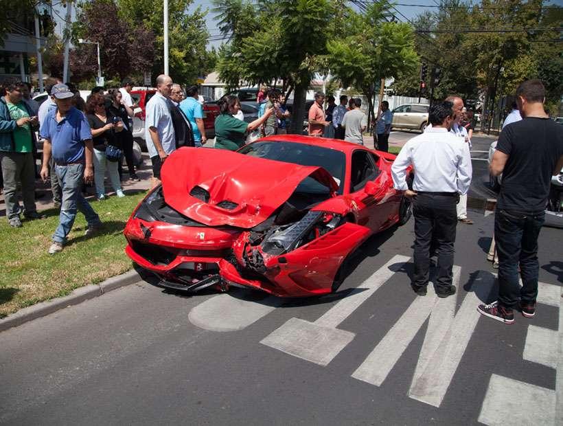 Así quedó el Ferrari chocado. Foto: Twitter @pablonoel