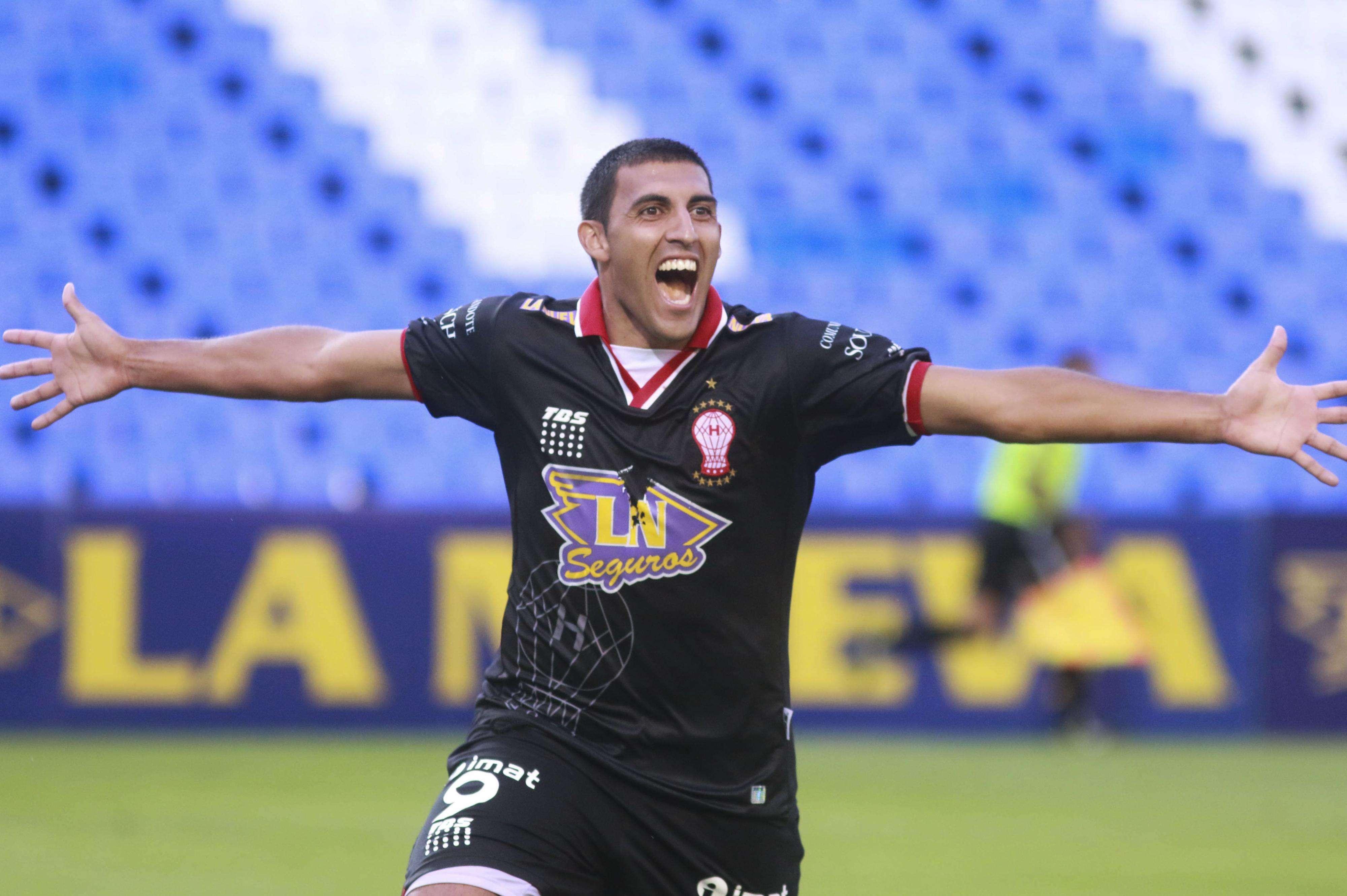 Huracán logró llegar al empate cuando Gimnasia lo dominaba. Fue 1 a 1 ante el Lobo, en el estadio Tomás Ducó. Foto: NA
