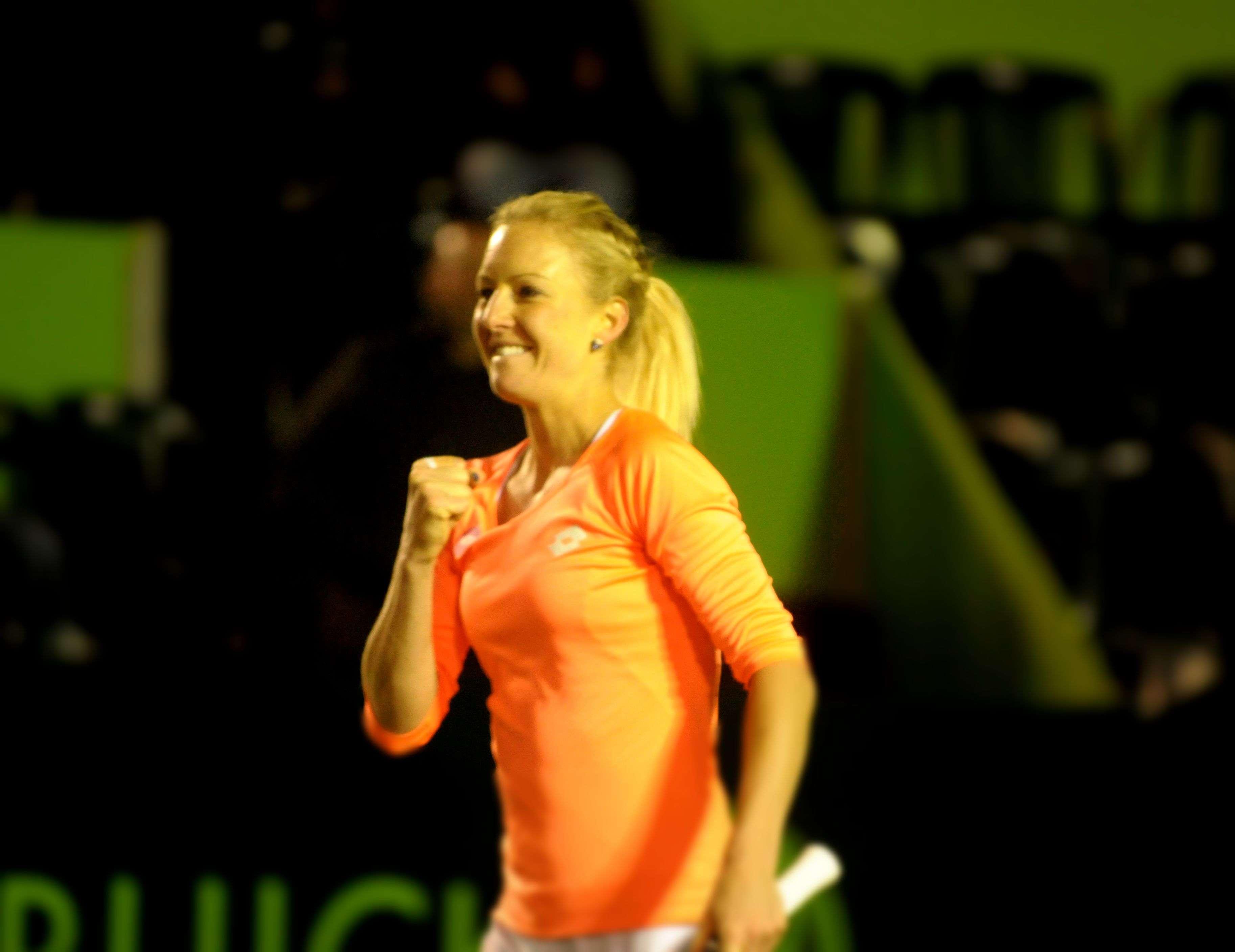 Urszula Radwanska viene de la calificación y ya se metió en cuartos de final. Foto: Terra