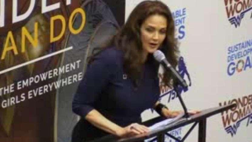 Resultado de imagem para Mulher Maravilha já é embaixadora da ONU para o empoderamento das mulheres