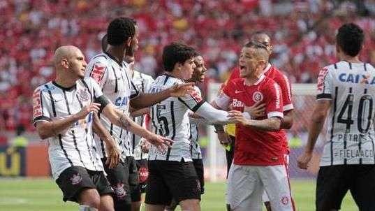Brasileiro: veja lances de Internacional 1 x 2 Corinthians
