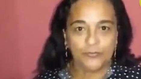 Irmã de Lula pede voto para Aécio