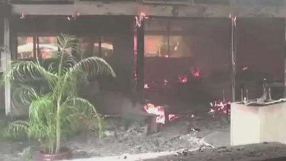Manifestantes incendeiam prefeitura no México