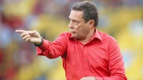 """Luxa é enfático: """"prioridade é manter o Flamengo na Série A"""""""