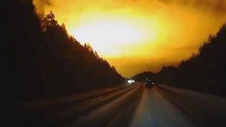 Bola de fogo é vista no céu da Rússia