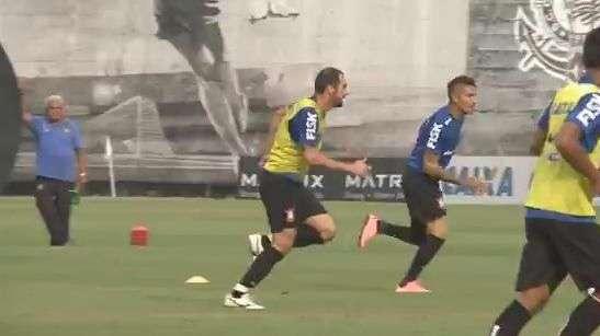 Corinthians: Guerrero está de volta e Fábio Santos é dúvida