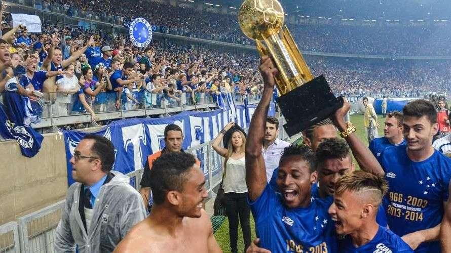 Cruzeiro vence Goiás e conquista o Brasileiro; veja os gols