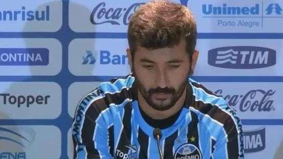 Douglas agradece apoio de Felipão e aceita pressão no Grêmio