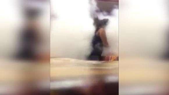 Homem aciona extintor contra mulher para evitar briga no RS