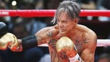 """Pai de boxeador campeão desafia ator de """"Homem de Ferro"""""""