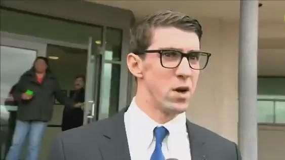 Phelps é condenado por dirigir bêbado, mas escapa de prisão