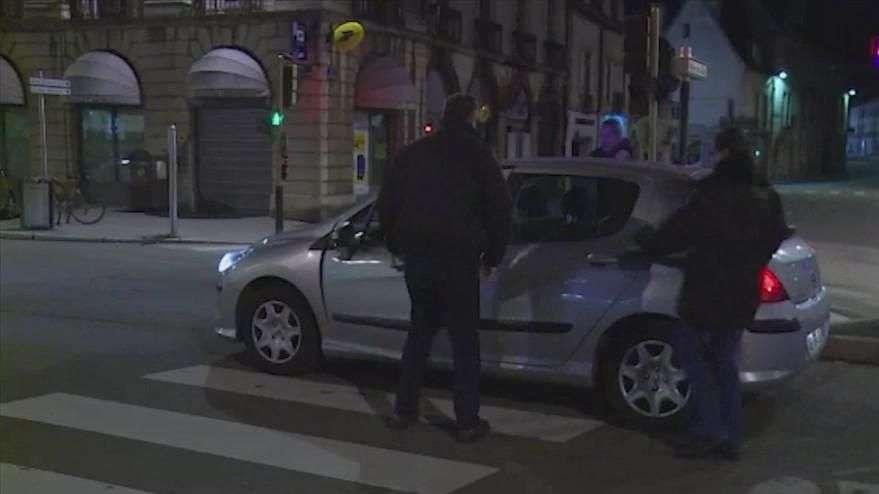 França: aos gritos de Alá é grande homem atropela vários