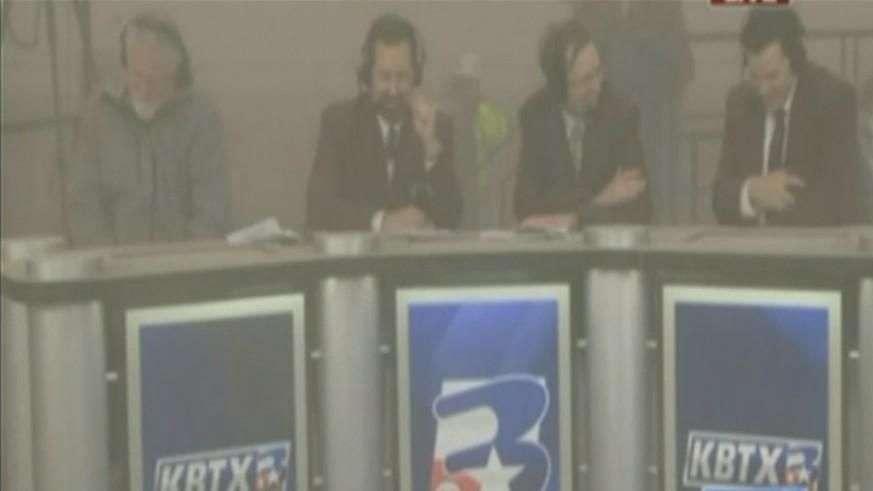 Implosão de estádio atinge locutores esportivos nos EUA