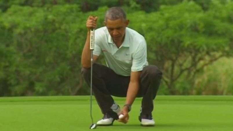 Obama aproveita folga de Natal para jogar golfe