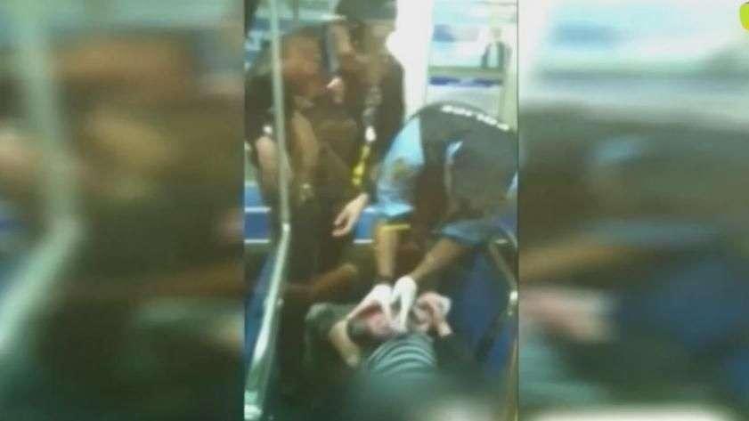 Policiais fazem parto em metrô nos EUA no Natal; veja