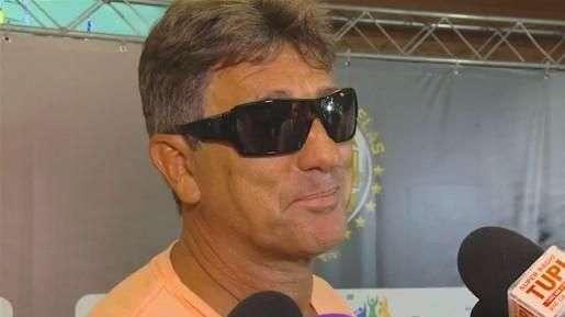 """Renato Gaúcho avisa atletas: """"não se pode respeitar a bola"""""""
