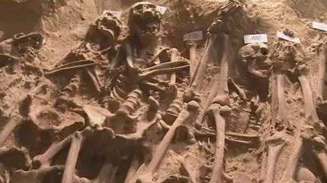 Esqueletos são encontrados sob supermercado em Paris