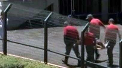 Copa SP: torcedor cai da arquibancada e é resgatado no Pacaembu
