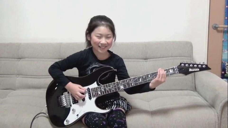 Niña de 8 años hace cover de Heavy Metal y es furor