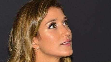 """""""Adoro cropped e cintura alta"""", diz Gabriela Pugliesi no SPFW"""