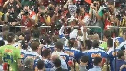 Cruzeiro fica no 0 a 0 com o Atlético-MG e é campeão mineiro