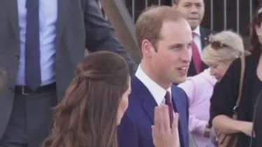 William, Kate e o pequeno George desembarcam na Austrália