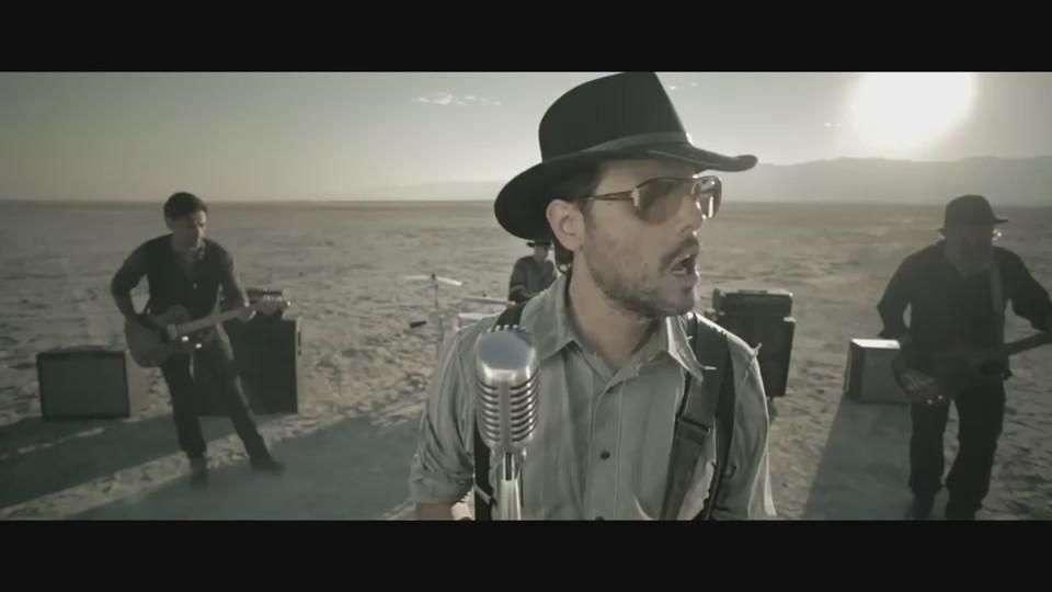 Music Video: Jumbo, 'Sin Respuesta'