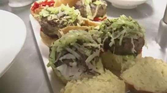 Hambúrguer de gafanhoto é uma das novidades na gastronomia