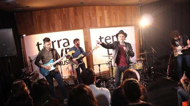 El showcase completo de Miss Caffeina en Terra Live Music