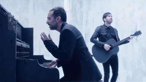 Music Video: Camila, 'Decidiste dejarme'