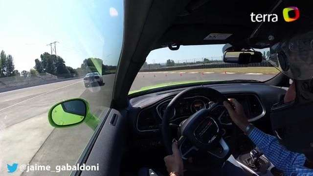 Video: Onboard Dodge Challenger 2015