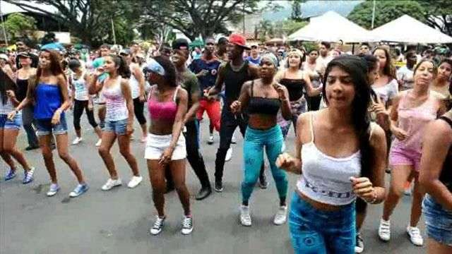 "La ""salsa shocke"" arrasa en Colombia"