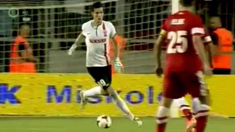 Jugador se pierde un gol solo frente al arco tras error ...