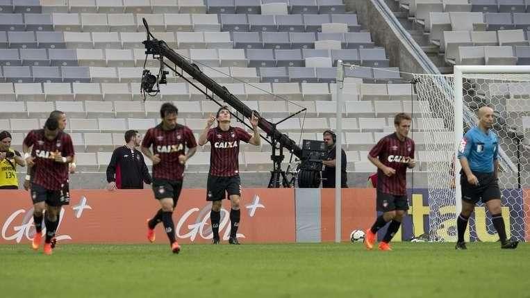 Veja os gols de Atlético-PR 2 x 0 Botafogo pelo Brasileiro