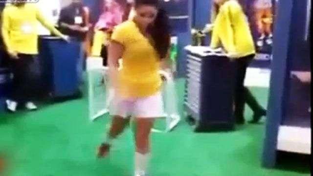 """Sensual brasileña deja """"locos"""" a varios con esta habilidad"""