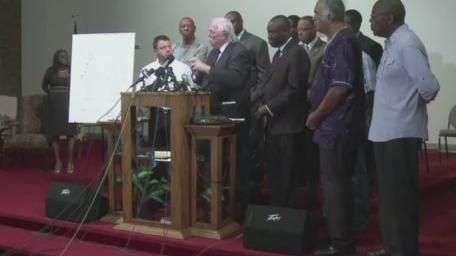 EUA: médicos dizem que jovem negro levou pelo menos seis tiros