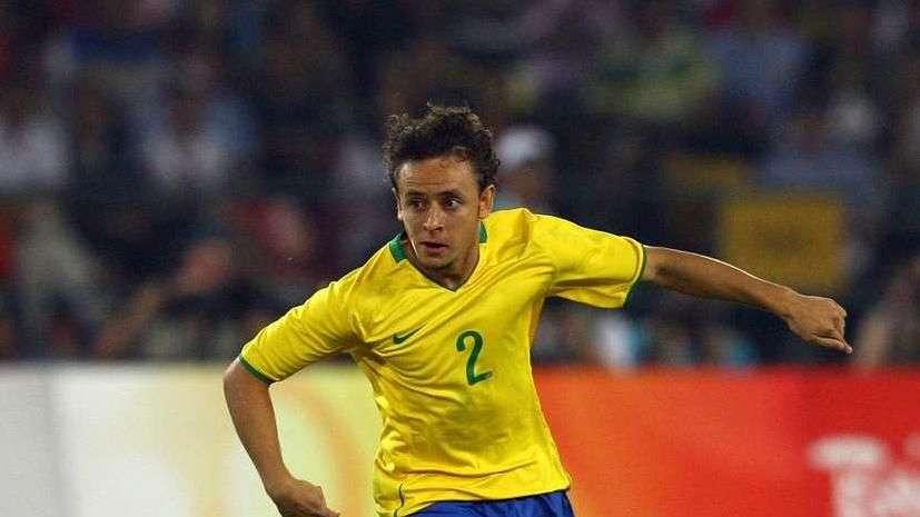 Rafinha elogia concorrência, mas confia em volta à Seleção