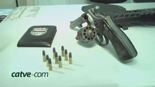 Revólver calibre 22 é apreendido com adolescente de 15 anos