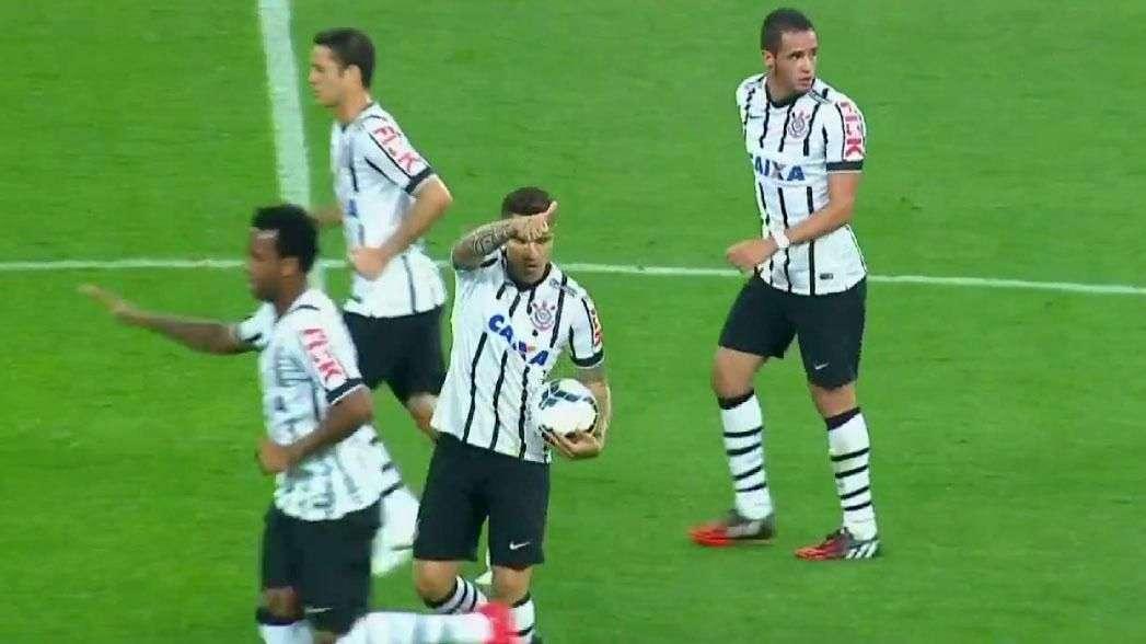Paolo Guerrero anota golazo de cabeza ante el Goias