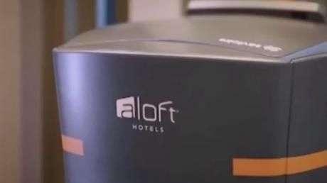 Hotel na Califórnia usa robôs no serviço de quarto