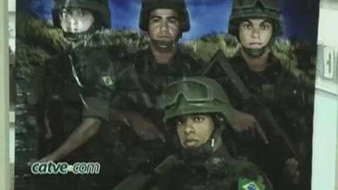 Exército realiza exposição em homenagem ao Dia do Soldado